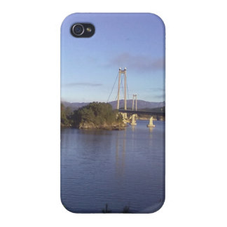 Water and Bridge Case For The iPhone 4