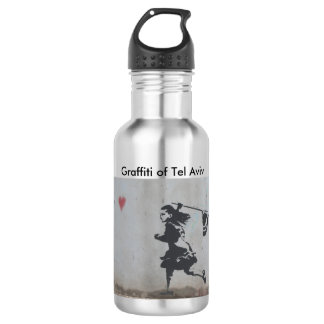 Water bottle with graffiti of girl catching heart 532 ml water bottle