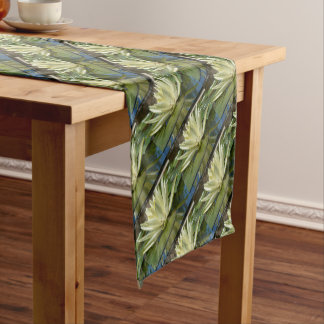 Water lily short table runner