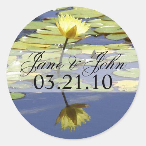 Water Lily Wedding Round Stickers