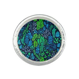 Watercolor floral doodles dark background ring