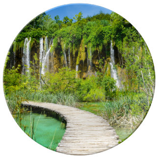Waterfalls in Plitvice National Park in Croatia Plate