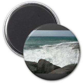 Wave Breaking On Big Rocks 6 Cm Round Magnet