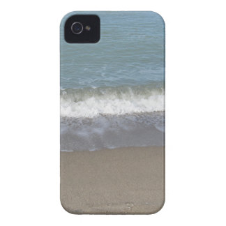 Wave of the sea on the sand beach iPhone 4 case