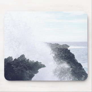 Waves Breaking on Cliffs Mouse Pad