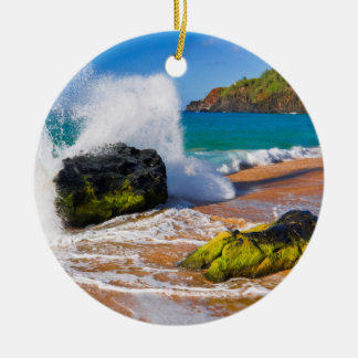 Waves crash on the beach, Hawaii Round Ceramic Decoration