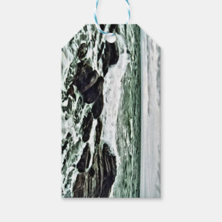 Waves on rocks gift tags