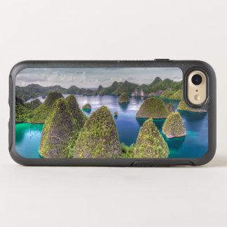 Wayag Island landscape, Indonesia OtterBox Symmetry iPhone 8/7 Case