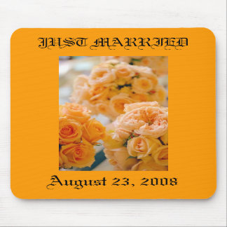 wedding bouquet JUST MARRIED Mousepad