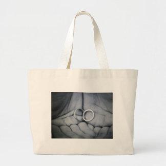 wedding rings bag