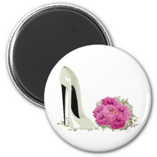 Wedding Stiletto Shoe and Bouquet of Roses 6 Cm Round Magnet