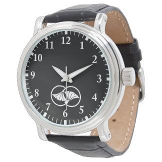 Wheel difference ginkgo wristwatch