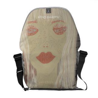 Whisper white medium Messenger Bag