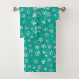 White 3-d snowflakes on a turquoise background bath towel set