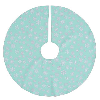 White 3-d snowflakes on an aqua background brushed polyester tree skirt