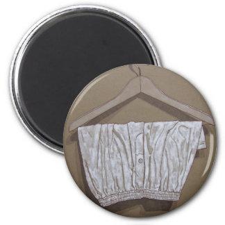 white boxers 6 cm round magnet
