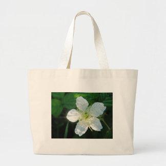 White Brombeerblüte Bag