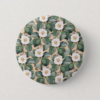 White Camellia on beige pattern 6 Cm Round Badge