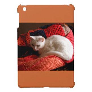 white Cat on orang red crochet knit blanket iPad Mini Cases