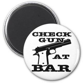 White Check Gun Bar 6 Cm Round Magnet