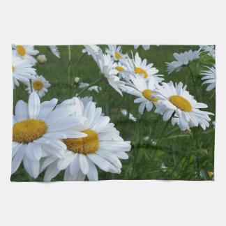 white daisies kitchen towels