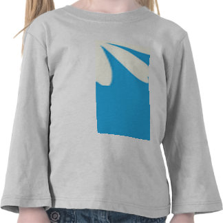White daisies on baby blue background tshirt