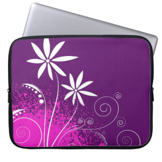 White Daisies on Purple Laptop Sleeve