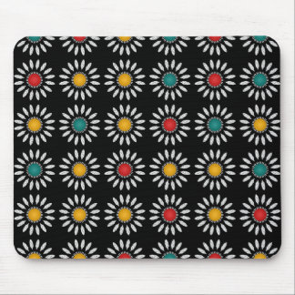 White daisies pattern mouse pad
