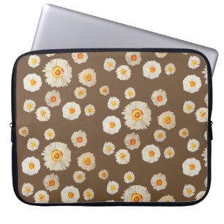 """White Daisy Flowers Neoprene Laptop Sleeve 15"""""""