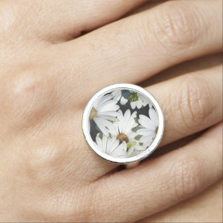 White Daisy Flowers Ring