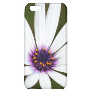 White daisy case for iPhone 5C