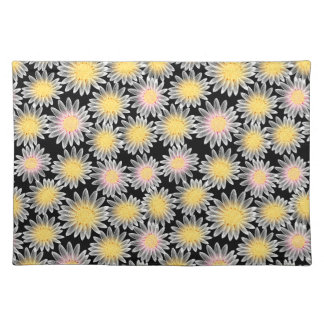 White daisy placemat