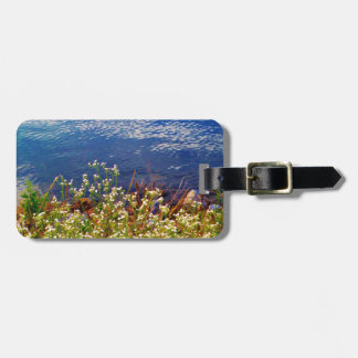 White daisy wildflowers blue water bag tag