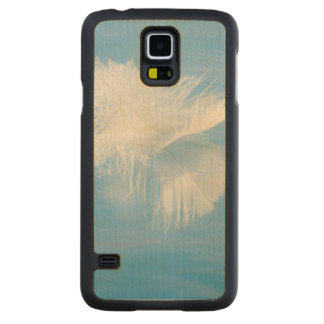 White Feather Reflects on Water | Seabeck, WA Carved Maple Galaxy S5 Case
