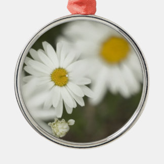 White Floweres Silver-Colored Round Decoration