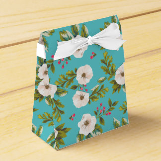 White flowers painting on turquoise background favour box