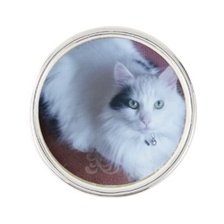 White fluffy cat lapel pin