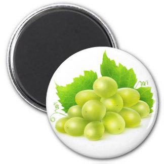 White grapes 6 cm round magnet