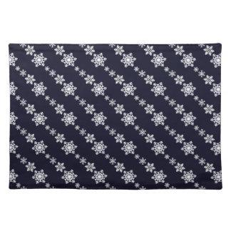 White Snowflake Chain Pattern Dark Blue Placemat