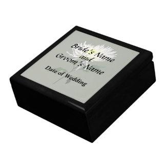 White Spider Mum Wedding Products Gift Box
