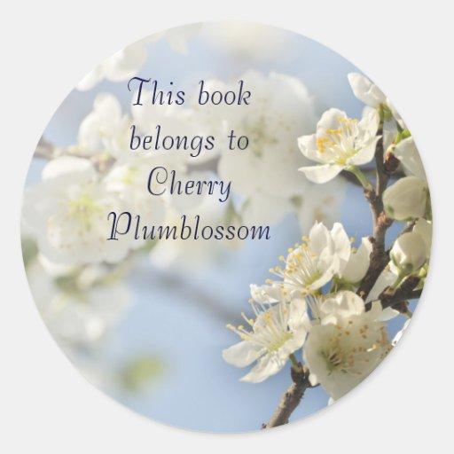 White spring blossoms round sticker