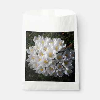 WHITE SPRING CROCUSES Favour Bags