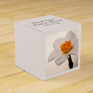 White Spring Daffodil Wedding Favour Boxes