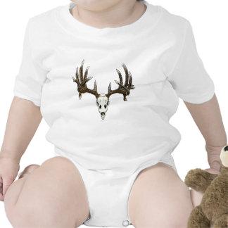 Whitetail deer skull 1 shirts