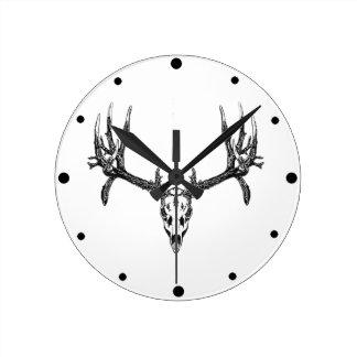 Wide buck skull round clock