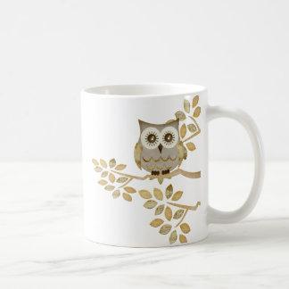 Wide Eyes Owl in Tree Basic White Mug