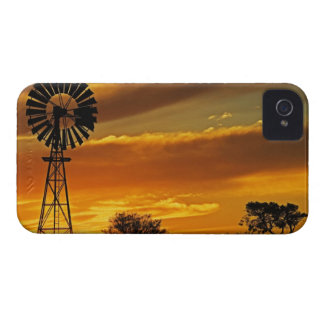 Windmill and Sunset, William Creek, Oodnadatta iPhone 4 Case-Mate Cases