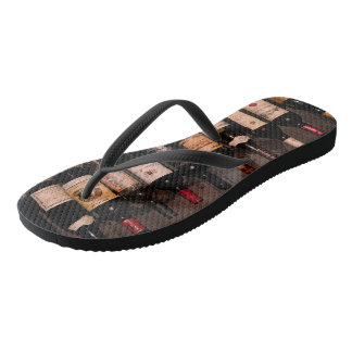 wine gifts, wine themed flip flops, men and women thongs
