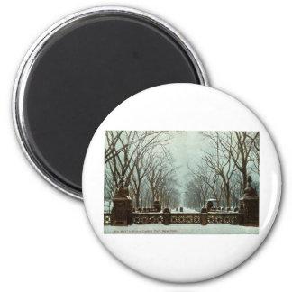 Winter Central Park NY Vintage c1910 6 Cm Round Magnet