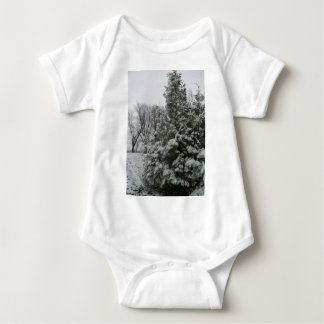 Winter Wonderland Pine Tree with Snow Fall T-shirts